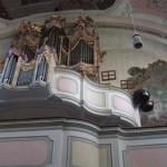 Orgel in St.Martin, Gar., mit Pauken, an der Empore außen angebracht
